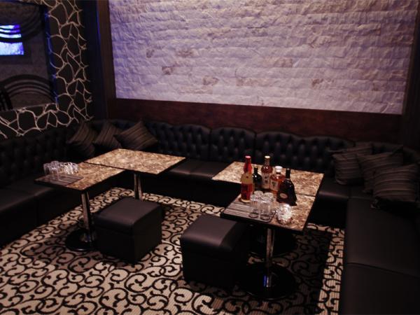 Lounge Artist [ラウンジ アーティスト]